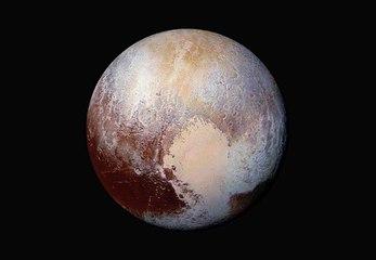 Pluto, ein Zwergplanet, der immer noch mysteriös ist