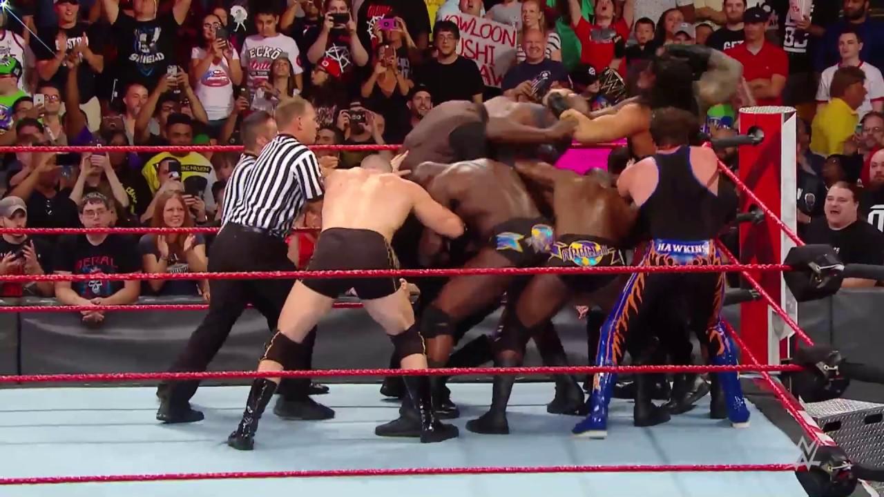WWE Raw Ringinde Böylesi Görülmedi!