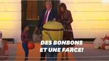La façon dont Trump distribue ses bonbons à Halloween vaut le détour