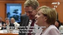"""Günther verteidigt Merkel gegen Kritik von """"älteren Männern"""""""