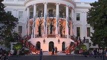 شاهد: دونالد وميلانيا ترامب يحتفلان بالهالوين في البيت الأبيض