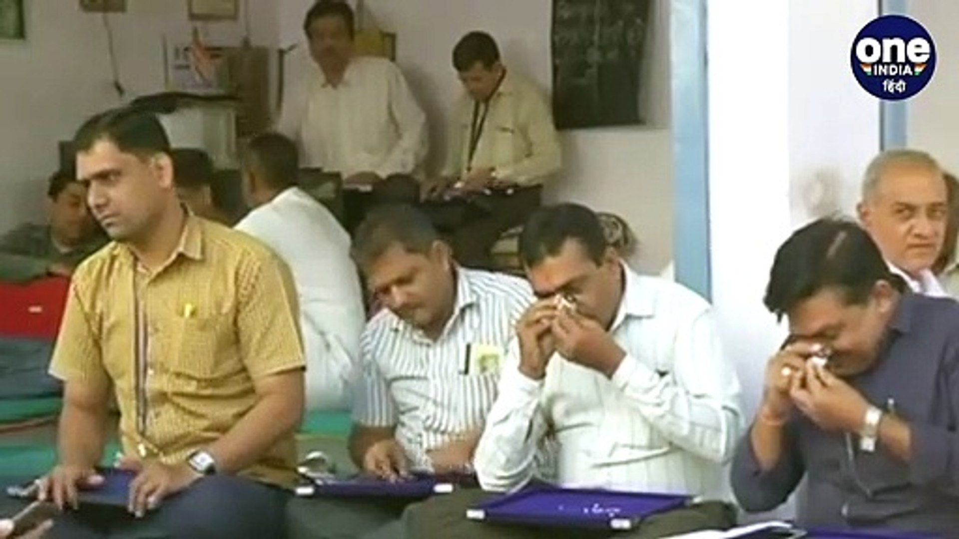 Corona Virus: Surat के Diamond Business को 8000 Crore का नुकसान | वनइंडिया हिंदी