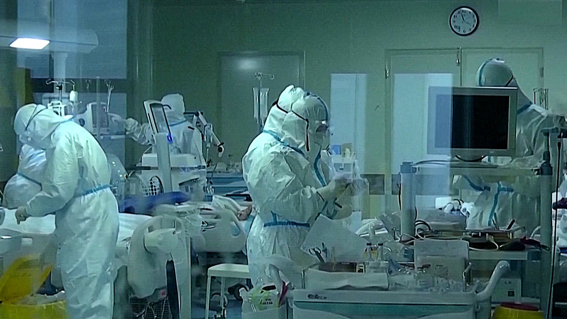 Coronavirus outbreak: Hospitals in China swamped with patients