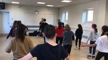 Les collégiens s'essaient au Breakdance