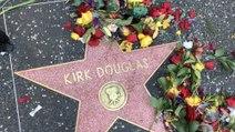 Hommage à Kirk Douglas sur Hollywood Boulevard
