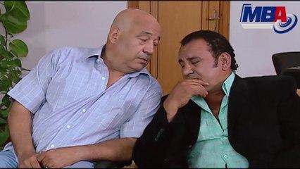 شوف حجاج عبدالعظيم زعلان ليه من البحر الأحمر في مشهد كوميدي
