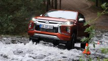 سيارة بيك آب ميتسوبيشي إل 200 الجديدة