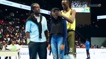 Umukinnyi wa Espoir BBC yambitse impeta umukunzi we imbere y'imbaga muri Kigali Arena