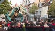 Calais : un dragon géant déambule dans les rues pour la Toussaint