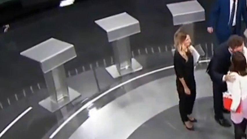 El intento de saludo de Espinosa de los Monteros a Aitor Esteban tras el debate