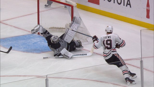Jack Campbell robs Jonathan Toews with phenomenal glove save
