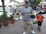 Danse  improvisée Papa Théo à Bayside, Miami