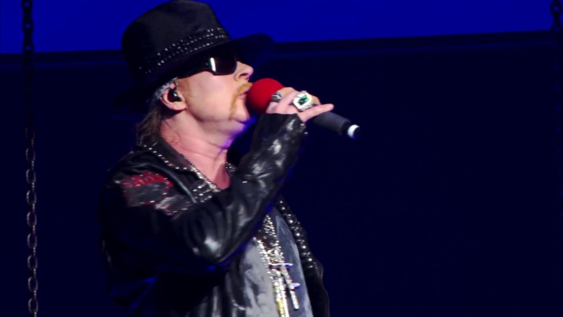 This I Love – Guns N' Roses (live)