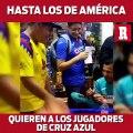 Americanistas le piden autógrafos a jugadores de Cruz Azul