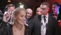 "Sharon Stone rejoue sa scène torride de Basic Instinct GQ Men of the Year Awards"" à Berlin"