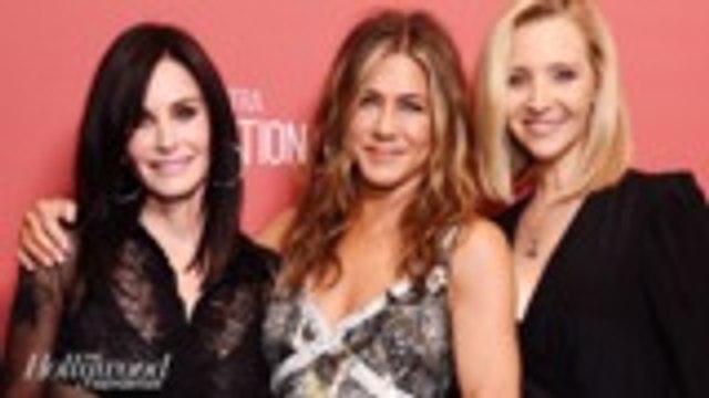 Courteney Cox and Lisa Kudrow Present Jennifer Aniston With Award at SAG-AFTRA Foundation Event | THR News