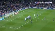 Lionel Messi marque sur coup franc le but du 3-1 contre le Celta Vigo !