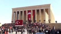 Atatürk'ün ebediyete intikalinin 81'inci yılı - Anıtkabir'i ziyaret eden vatandaşlar (6)