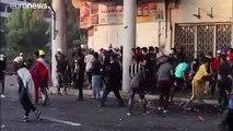 السلطة العراقية تلجأ إلى العنف لوقف الاحتجاجات.. فكيف يرد الشارع؟
