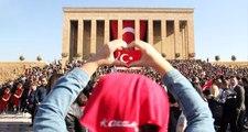Anıtkabir'e ziyaretçi akını! Binlerce kişi Büyük Önder Atatürk'ü andı