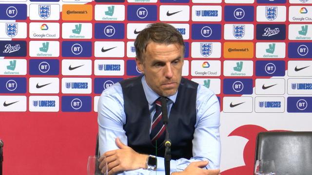 """Angleterre Féminine - Neville : """"77 000 personnes, c'est un record"""""""