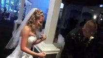 Ce que fait le marié au moment de découper le gateau va mettre la mariée très en colère