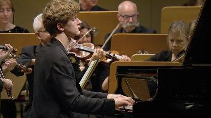 Jan Lisiecki - Beethoven: Piano Concerto No. 3 in C Minor, Op. 37: 2. Largo