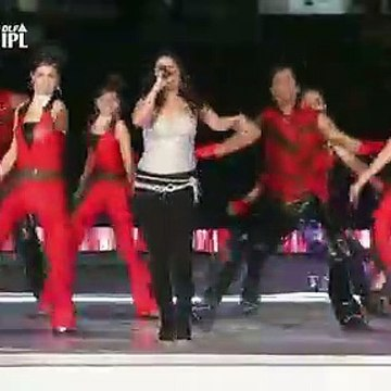 Sunidhi Chauhan Hot Stage Performance from IPL 2011
