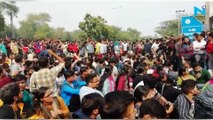 Watch: JNU students clash with cops during protest against fee hike