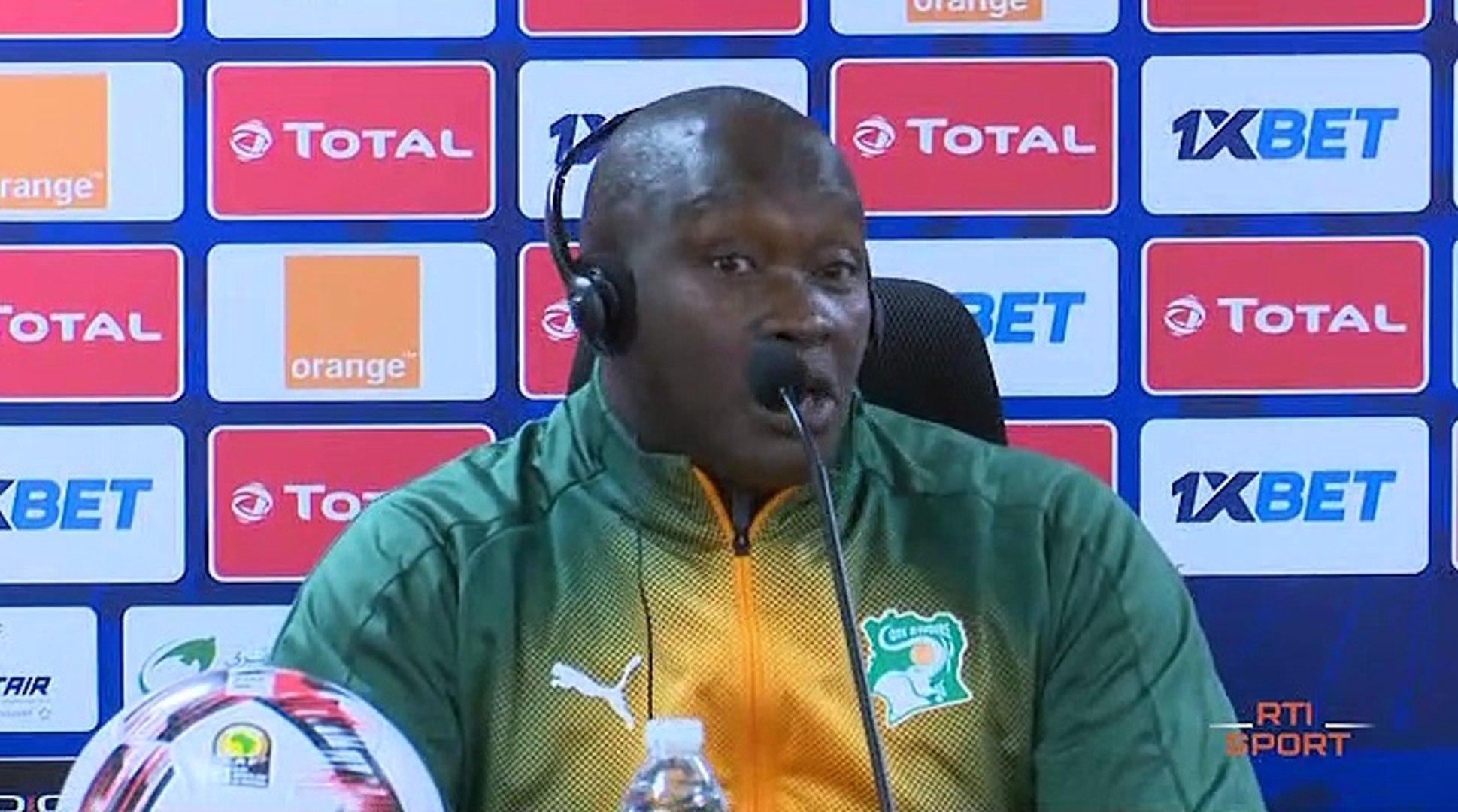 Football   Conférence de presse avec Haidara Soualiho sélectionneur des  éléphants U23 - Vidéo Dailymotion