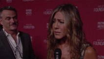 "Jennifer Aniston Joked About Those ""Impossibly Large"" Apartments During Her People's Choice Awards Speech"