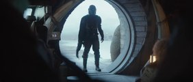 THE MANDALORIAN Star Wars Season 1 - Clip - You spilled my drink!