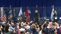 ABD Başkanı Trump kurşun geçirmez camın arkasından konuştu