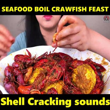 SEAFOOD BOIL CRAWFISH FEAST shell cracking sounds