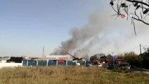 Tuzla'da bir işyerinde yangın çıktı.