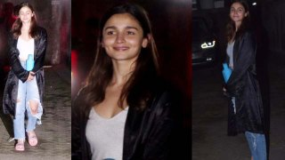 Alia Bhatt poses for media very sweetly;Watch video | FilmiBeat