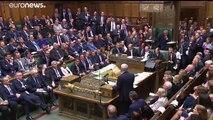 El Parlamento británico da el primer paso contra el Brexit duro y el Partido Tory se rompe