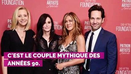 """Depuis Friends, Matthew Perry """"a toujours été amoureux"""" de Courteney Cox et n'arrive pas à tourner la page"""