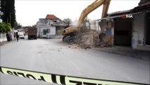 Kültür ve Turizm Bakanlığının projesi kapsamında yıkım çalışmaları başladı