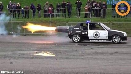 Quand une Peugeot 205 est équipée d'un réacteur d'avion de chasse, ça envoie du lourd !