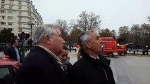 Incendie à Annecy : le préfet et le maire ne peuvent que constater les dégâts au pied de l'hôtel de ville en feu