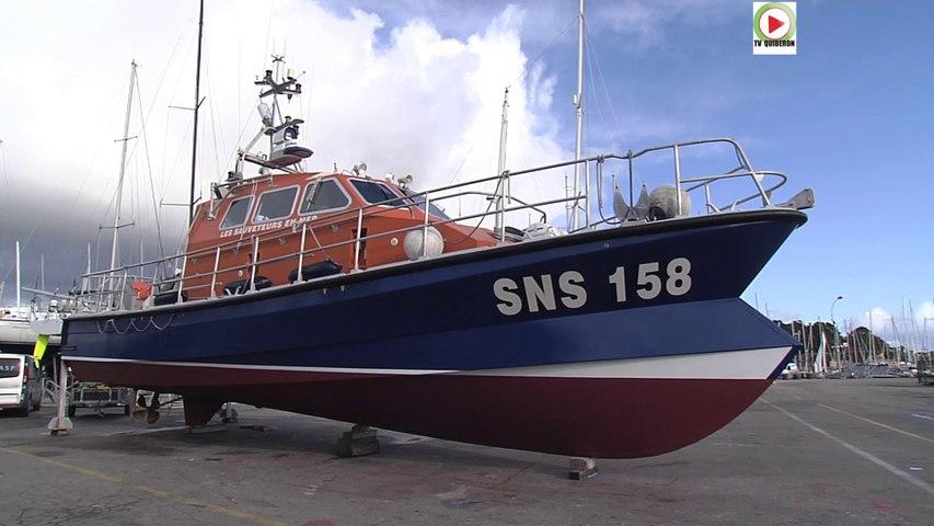 La Trinité-sur-mer:  La SNS 158 vedette du Nautic - TV Quiberon 24/7