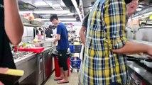 Hung Hom ( Hồng Khám ), Hong Kong tối ngày 14/11/2019 (GMT+8): Trong Đại học Bách khoa Hong Kong ( The Hong Kong Polytechnic University ): Cận cảnh khu vực nhà bếp của căn tin hiện đang được điều hành và nấu ăn bởi các sinh viên tham gia biểu tình...