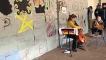 Elle rejoue Rostropovitch au pied du mur de Berlin