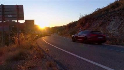 Porsche Panamera Sport Turismo Turbo S E-Hybrid (2018) - The 680 hp Hybrid V8 !