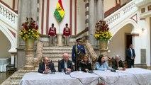 Añez da un giro a la política exterior de Bolivia entre incesantes protestas