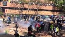 Hung Hom ( Hồng Khám ), Hong Kong ~12h20 ngày 17/11/2019 (GMT+8): Bên ngoài Đại học Bách khoa Hong Kong ( The Hong Kong Polytechnic University ): - 5: Côn an bắn đạn hơi cay liên tục...