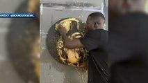 Il peint Sadio Mané avec un ballon