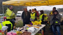 Au rond-point Jeanne-Rose de Montchanin, les Gilets jaunes fêtent leur premier anniversaire