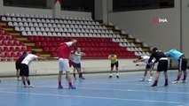 Dünya 3.'sü hokeyciler Amasya'ya transfer oldu